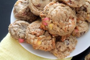 Oatmeal Almond Chocolate Chip Cookies