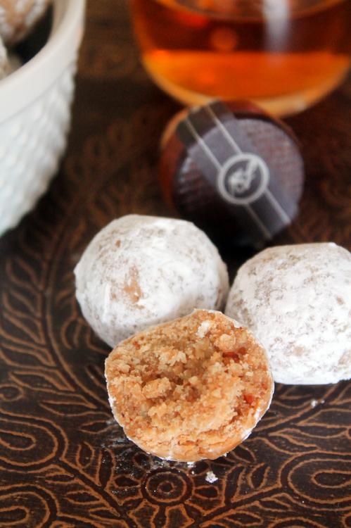 Maple Bourbon Balls on Bluebonnetbaker.com