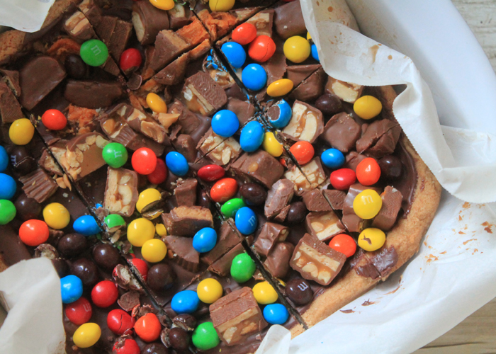 Leftover Halloween Candy Bars make the most of your kids' stash. They couldn't possibly be disappointed if this is their after-school treat!