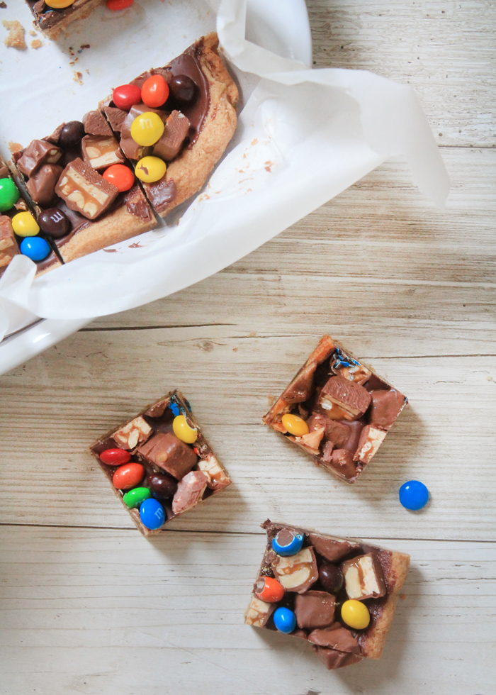 Leftover Halloween Candy Bars will use up all that loot in one fell swoop. Plus they're straight up delicious.